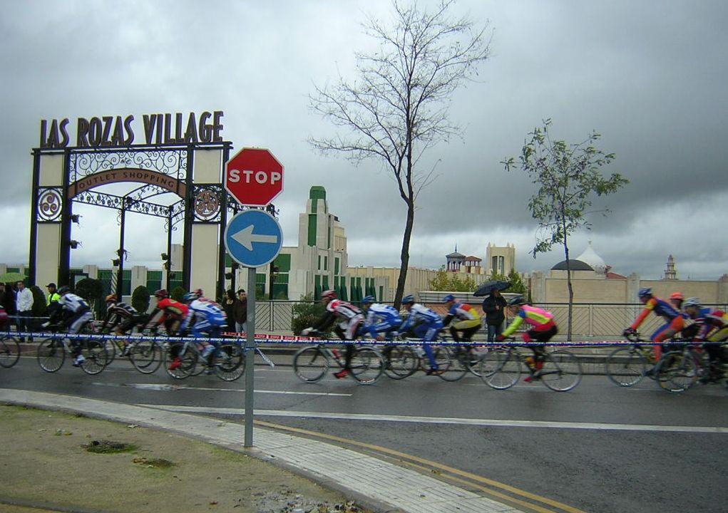 Los ciclomaster pasando por las rozas village outleet shoping - Web oficina euskaltel ...